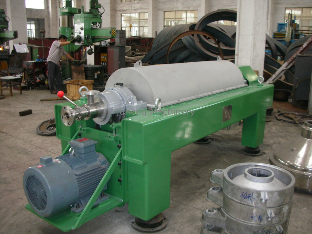 Antifriction anti – corrosion stainless helical pusher horizontal decanter centrifuge supplier